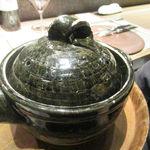神戸牛炉窯焼ステーキ 雪月風花 北野坂 - 土鍋
