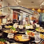 クックデリ御膳 - 料理写真:店内の様子。