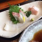 海鮮処 兄弟 - お魚づくしの刺身。
