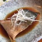 海鮮処 兄弟 - お魚づくしの煮付け