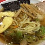 だるま軒 - ミニ醤油ラーメン、麺アップ