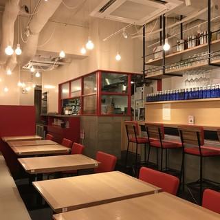 ~清潔感溢れる美空間~心落ち着く駅チカの小籠包と餃子専門店