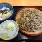 そば処 吉野家 - 料理写真:「朝そば・とろろご飯」390円(税込)