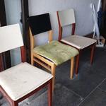 布施丿貫 - 外待ち用の椅子