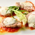 ピノサリーチェ - 豚フィレ肉とモッツァレラのオーブン焼き ピッツァ職人風