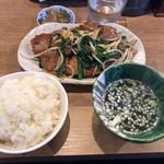 麺屋 椿丸 - 料理写真:レバニラ定食