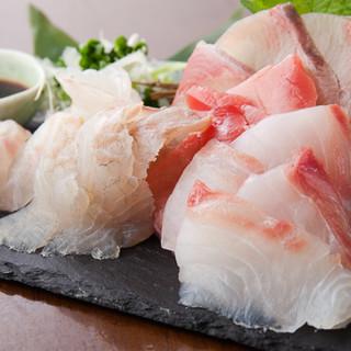 長崎県五島列島直送!旬の鮮魚を使用したお刺身をご堪能あれ♪