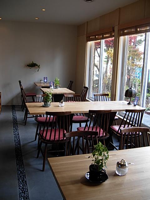 大森珈琲 - テーブル席4卓