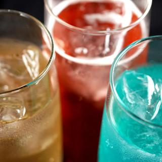 本格的なカクテルからトレンドのお酒、四季折々のドリンクも♪