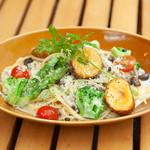 OUTDOOR CAFE MEER LOUNGE - 【ノンミートメニュー】道産インカのめざめと野菜たっぷり濃厚クリームパスタ