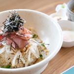 ナチュラルフーズ柳島キッチン - 料理写真:【ランチ~閉店まで】ローストビーフDON 1000円