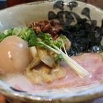 らーめん砦大阪 - 元祖 貝白湯拉麺 砦 ¥800(煮玉子¥100)