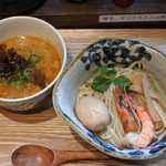 らーめん砦大阪 - 濃厚海老潮つけ麺¥900(煮玉子¥100)