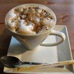 10443068 - カフェのキャラメルラテ