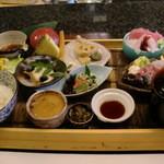 10443576 - 1575円ランチ。1050円と違うのはお刺身内容と天ぷら盛り合わせ!