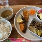ハーティネス上町カフェ - 週替わりランチ800円