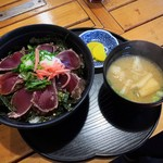 市場のめし屋 浜ちゃん - 鰹のタタキ丼