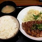 豚々亭 - おろしトンテキ定食200g