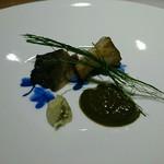ちそう そったくいと - ②煮黒鮑(広島県呉産)の肝ソース掛け青のりを添えて