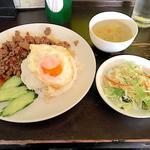 タイ食堂 ヤムヤムサイアム -