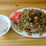天龍 - しいたけ焼きそば(700円)、ラーメンスープと生卵付き!!