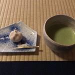 時雨亭 - 料理写真:抹茶:720円 (時雨亭オリジナル生和菓子付き)