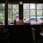 萌叡塾 - 窓の景色
