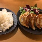 GYOZA!365 - 餃子12個定食