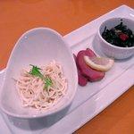 上海大飯店 - 干し豆腐、鴨のロースト、高菜と枝豆の炒めもの