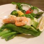アル チェッポ - 有機野菜いっぱい海老のシンプルボイル