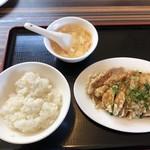 王記酒家 - 油淋鶏(単品360円)・半ライス(120円)