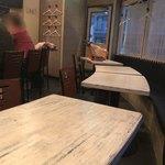 フレーバー - 店内テーブル席