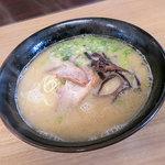 鬼多郎 - 料理写真:「ラーメン」は単品580円~。