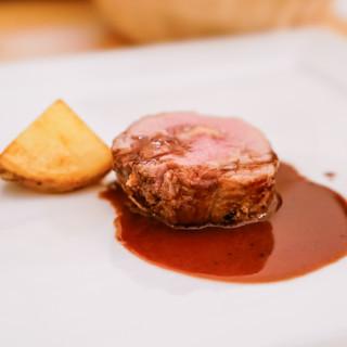 お酒との相性も◎珍しいお肉料理