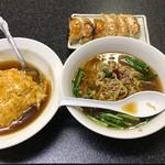104505186 - 台湾ラーメン+天津飯+焼き餃子