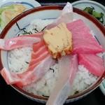 竹家食堂 - おまかせ丼 本マグロ/サーモン/カンパチ