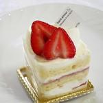 サンタムール - いちごのショートケーキ360円外税