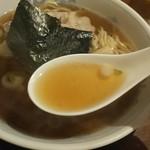 みやの華 - 醤油スープ