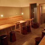 ローカルシックス - 1F テーブル席