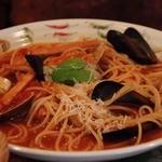REGAL - ムール貝とカニ肉のトマトパスタ