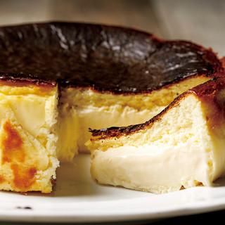 パティシエ特製バスクケーキで思い出に残るサプライズ♪