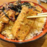 104521183 - つくね焼鳥丼(大盛)、温泉卵1,550円