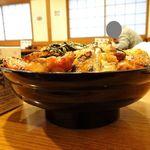 104521184 - つくね焼鳥丼(大盛)、温泉卵1,550円
