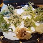 手打ち蕎麦 巴 - 山菜天ぷら