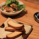 朝粥の店 叙序圓 - 小鉢のひとつ:豆腐の燻製