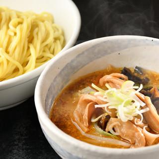 「スープ」と「麺」に自信あり!独自の製法でお届けします