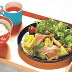 しゃきしゃき肉野菜炒め定食