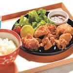 塩ダレレモンの若鶏の唐揚げ定食