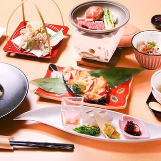 淡路島の天然魚など、新鮮素材の美味しさを活かした会席料理