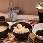 和華 - 味噌汁、かやくご飯